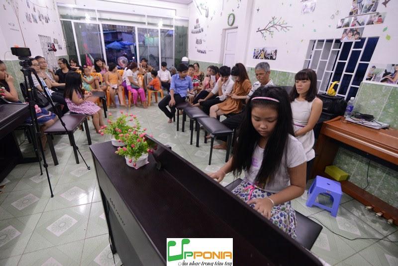 Biểu diễn piano trẻ em - Bảo Hân
