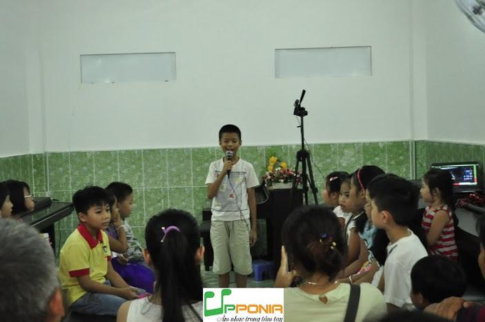 Rèn luyện sự tự tin khi đứng trước đám đông của trẻ ngay từ nhỏ