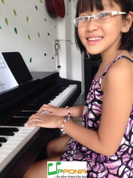 Trang Thảo - Học piano ở Upponia